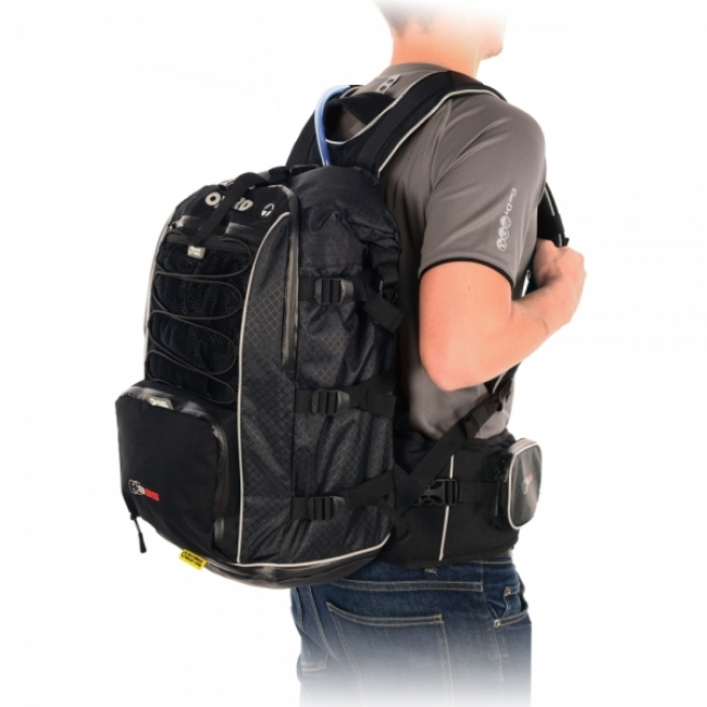 OXFORD KUPRINĖ XB35 BACK PACK WITH BLADDER (SU 35 L GERTUVE) LIFETIME JUODA